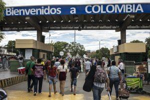 Colombia. Venezuelans continue perilous journeys across border on foot